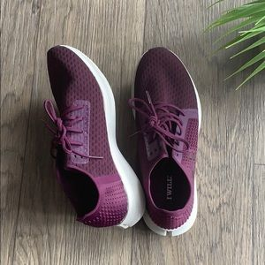 Under Armour plum running shoes